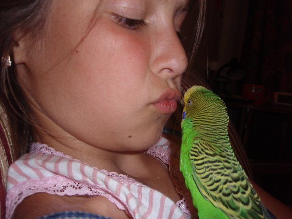Целуемся)))