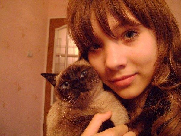 Алиса - моя любимая кошечка!