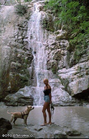 С Баксом ,моим первым АСТ мы объездили  почти все побережье черного моря , Бакс был в Приэльбрусье и в поселке Домбай.