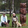 Марина Задорожная с нашим другом ( йорком Кузьмой) Тауреем де Гизом  и я с (АСТ Гошей ) Марлен Брао Иглом.