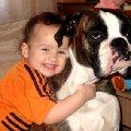 Вот так мы любим нашу собаку,   дочька Соня и собака Риза