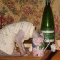 Вы бы еще в пробирку молоко налили...